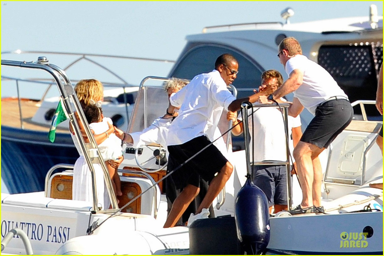 beyonce jay z italian yacht vacation with blue ivy 342945447