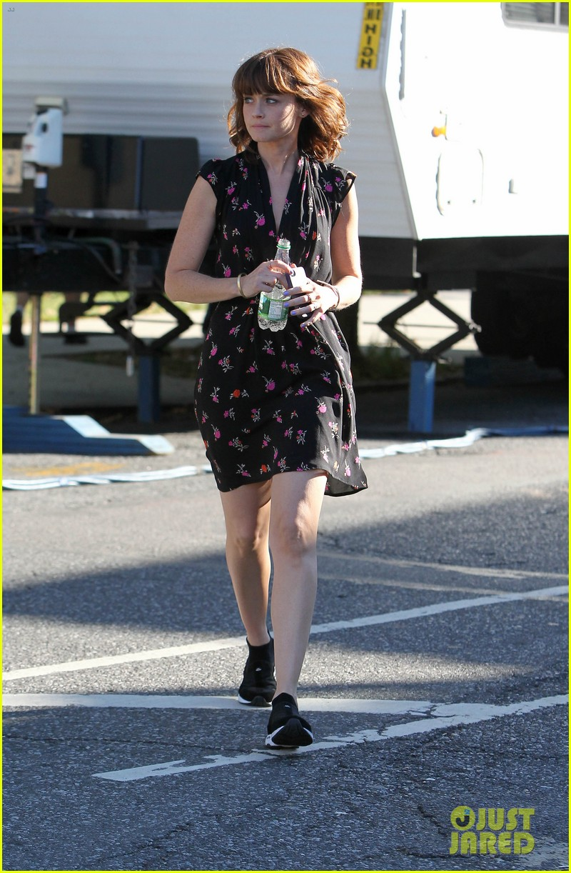 alexis bledel spotted after fans start fifty shades petition 032944797