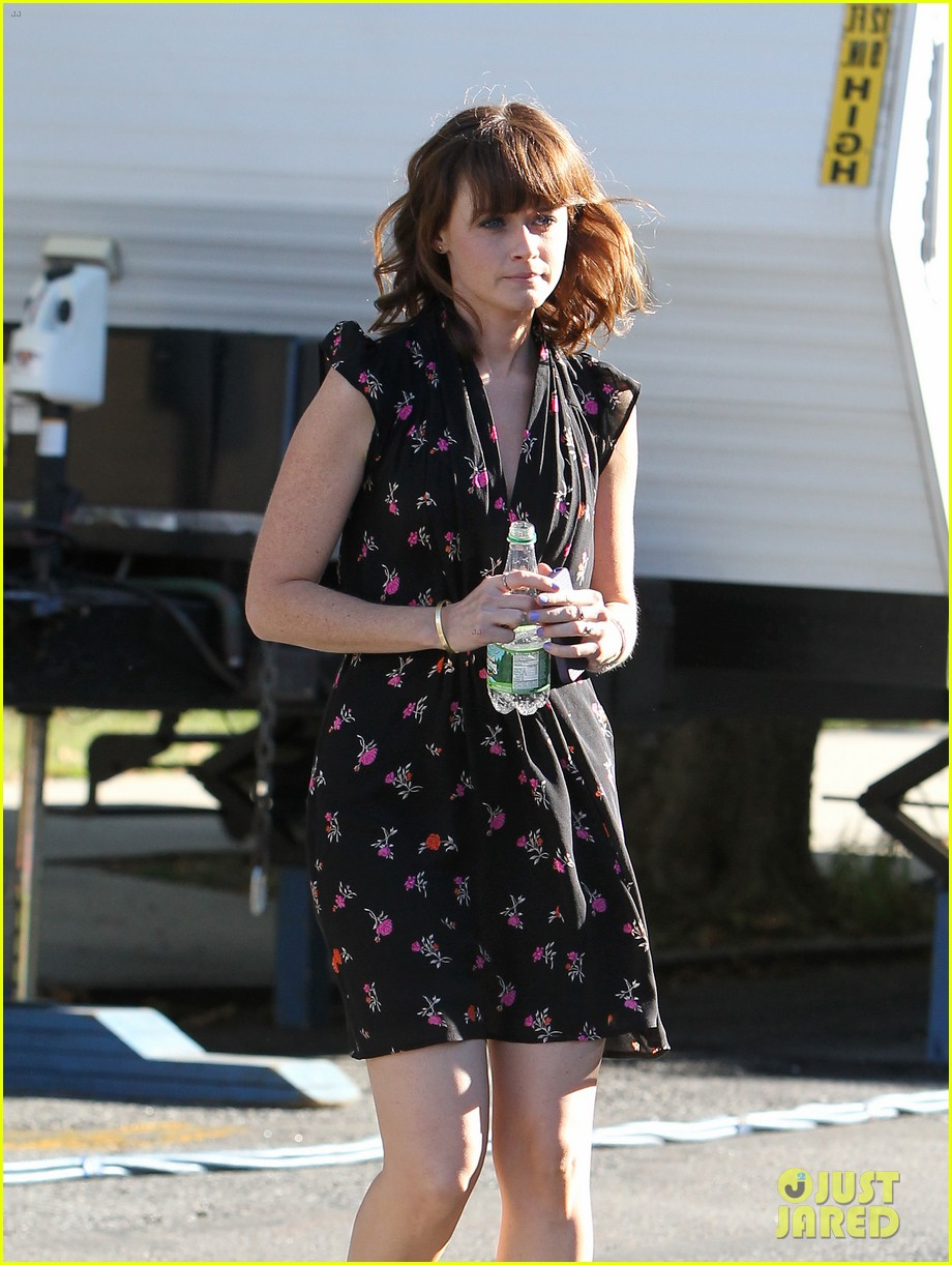 alexis bledel spotted after fans start fifty shades petition 152944809