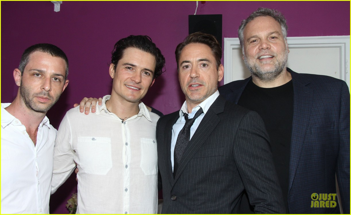 orlando bloom robert downey jr backstage at romeo juliet 052943303