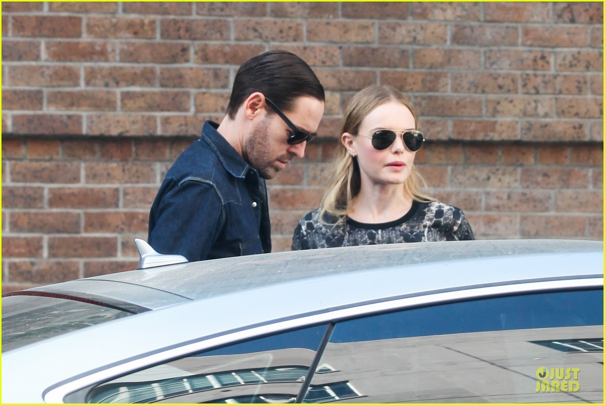 kate bosworth michael polish hold hands after catalina festival 082959339
