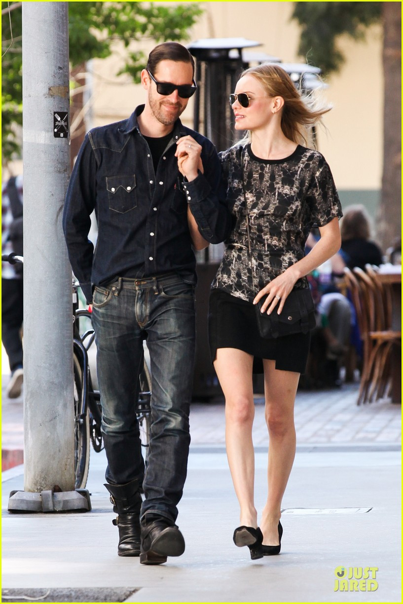 kate bosworth michael polish hold hands after catalina festival 092959340