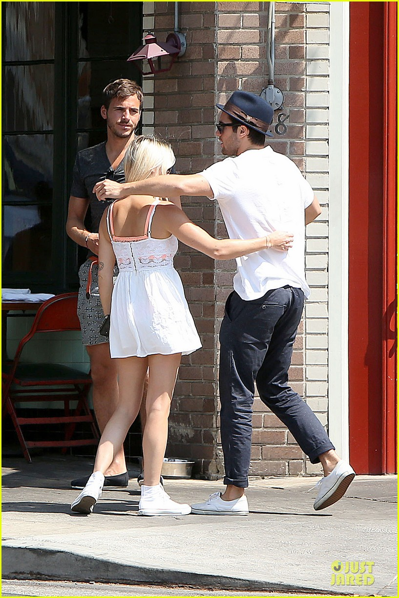 josh bomwan emily vancamp separate food outings 182948415