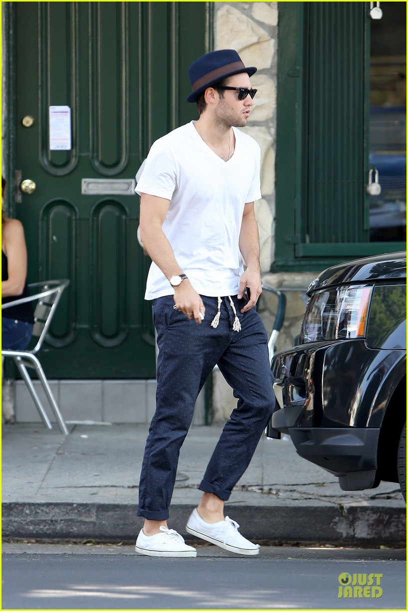 josh bomwan emily vancamp separate food outings 202948417