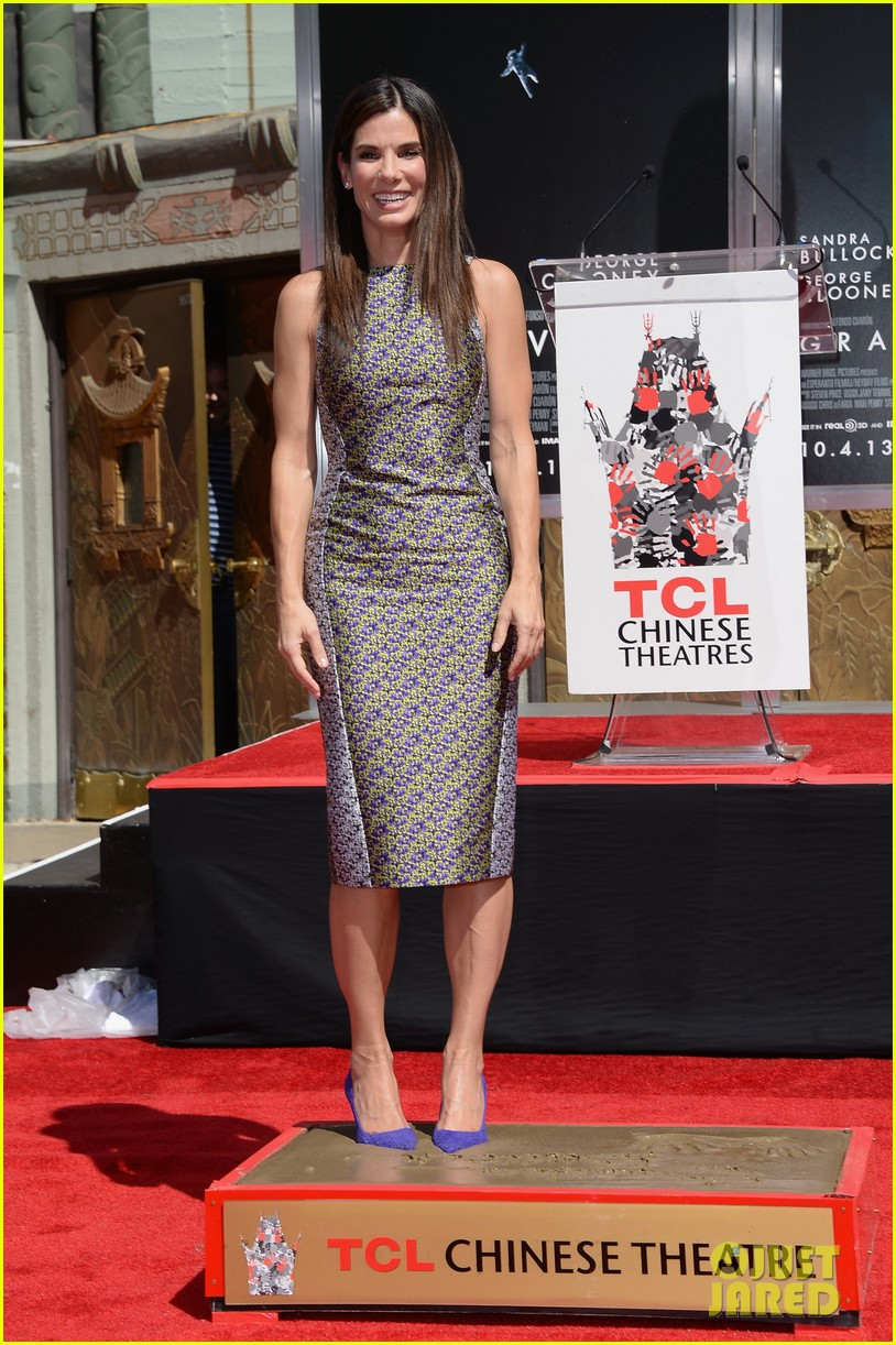 sandra bullock receives handprint at tci chinese theater 01