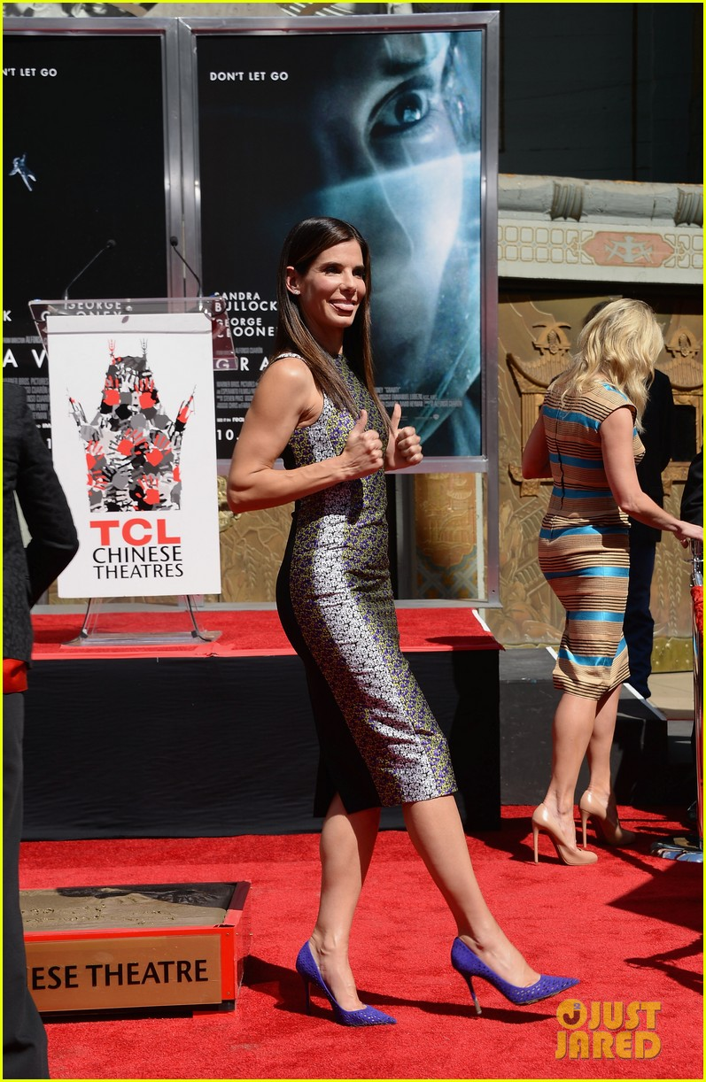 sandra bullock receives handprint at tci chinese theater 032959873