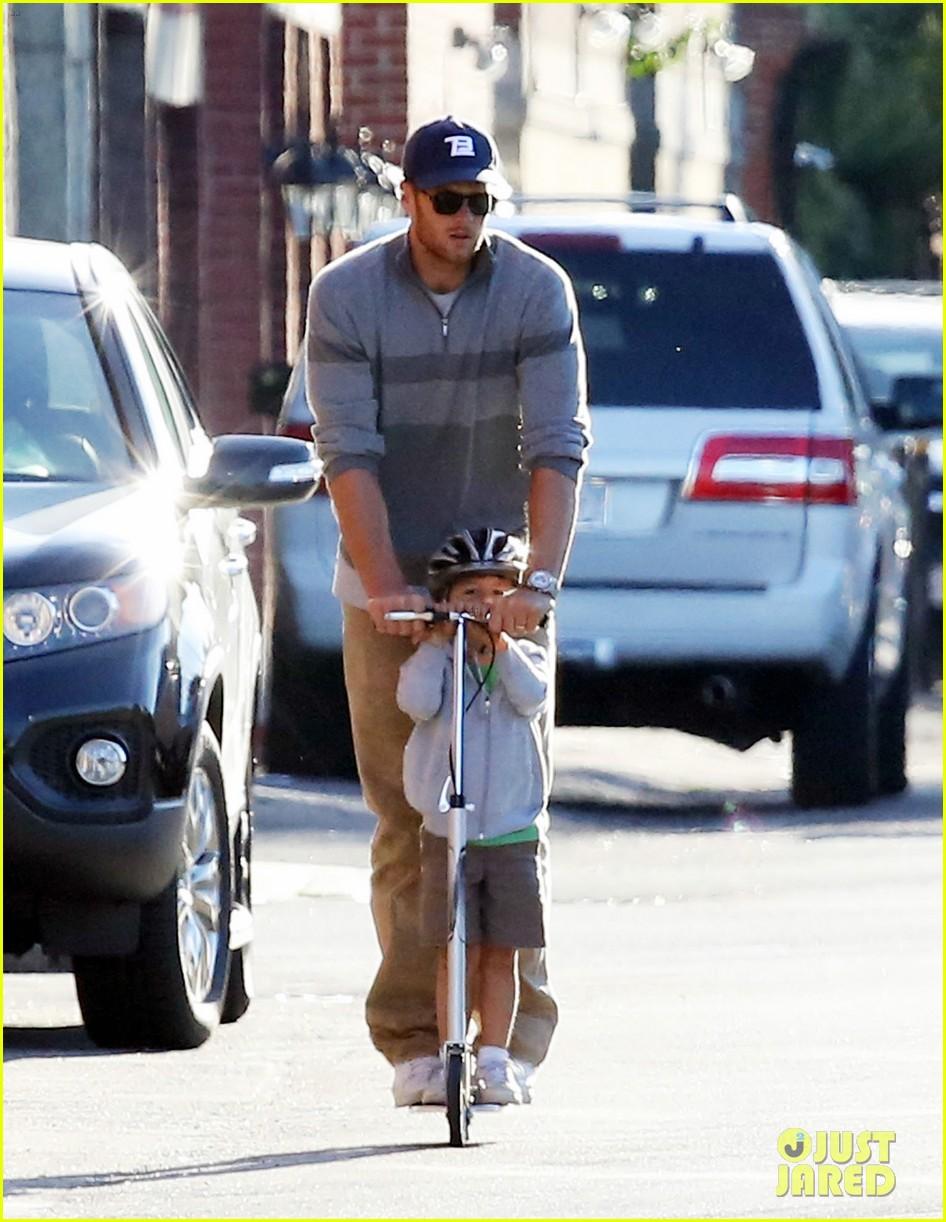gisele bundchen rides bike tom brady scoots with benjamin 012947104