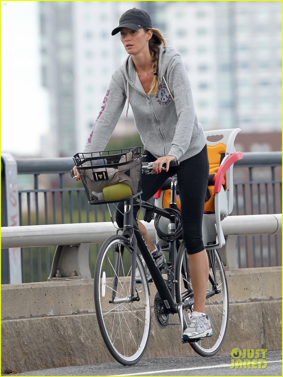 gisele bundchen rides bike tom brady scoots with benjamin 052947108