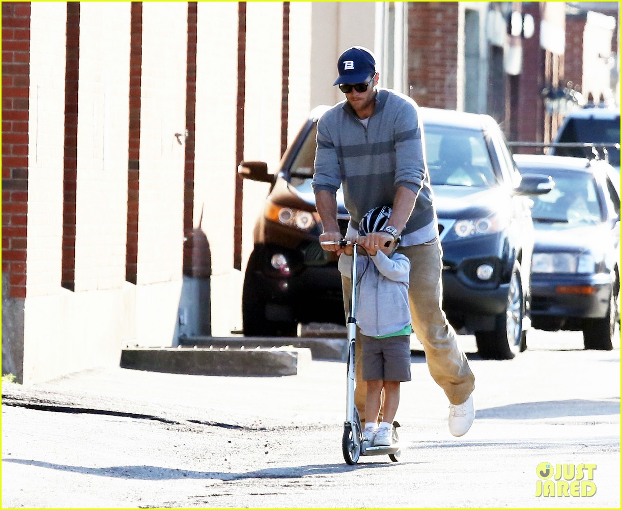 gisele bundchen rides bike tom brady scoots with benjamin 072947110