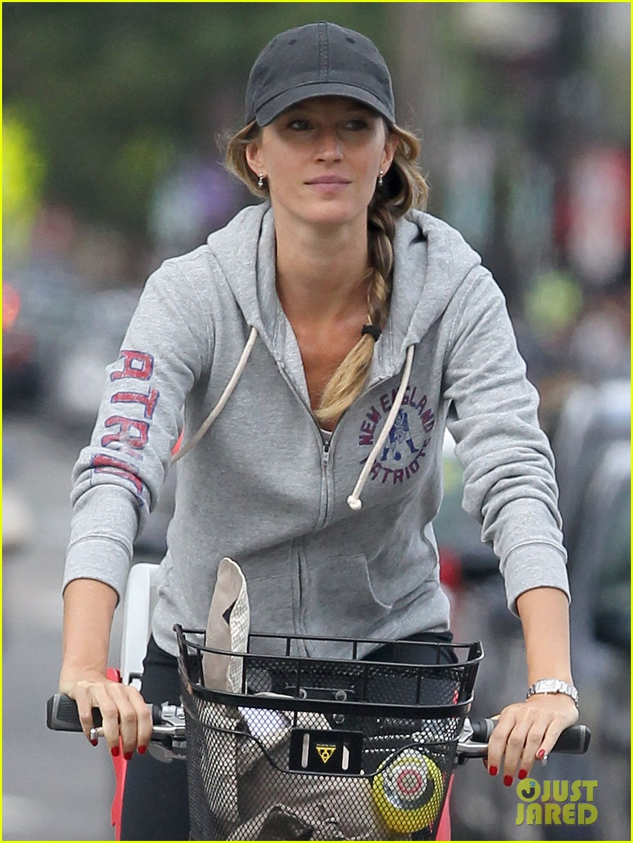 gisele bundchen rides bike tom brady scoots with benjamin 082947111