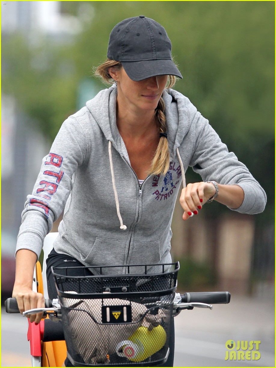 gisele bundchen rides bike tom brady scoots with benjamin 092947112