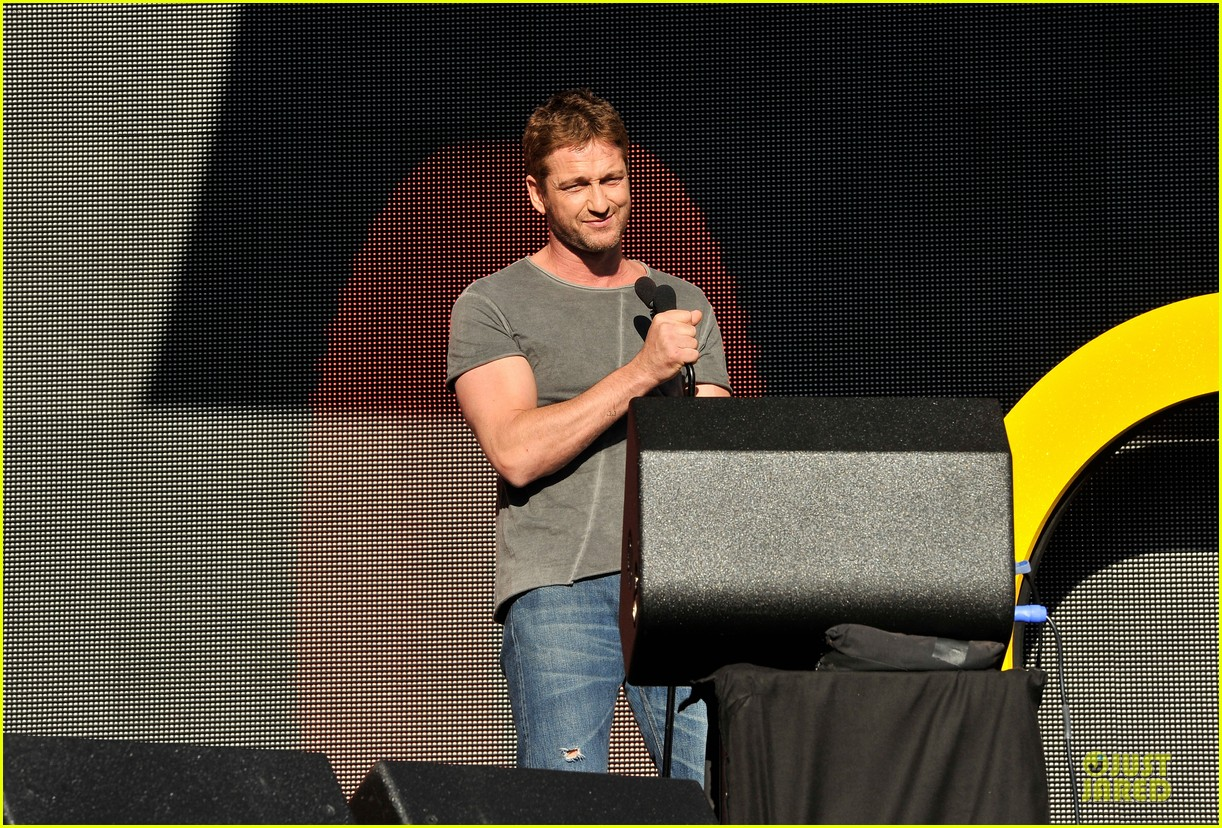 gerard butler global citizen festival stud 04