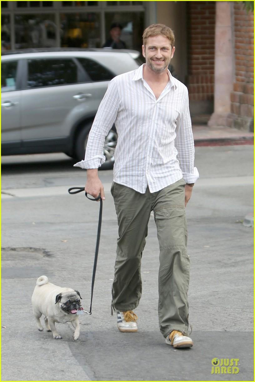 gerard butler malibu stroll with pet pooch lolita 032956646