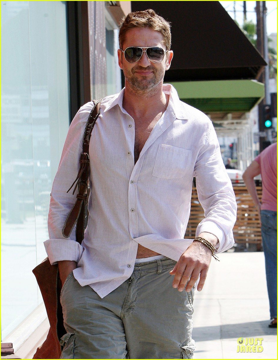 gerard butler makes shortlist for scottish fashion icon award 022948512