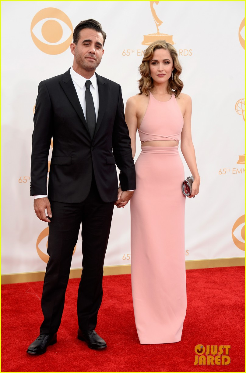 rose byrne bobby cannavale emmys red carpet 04