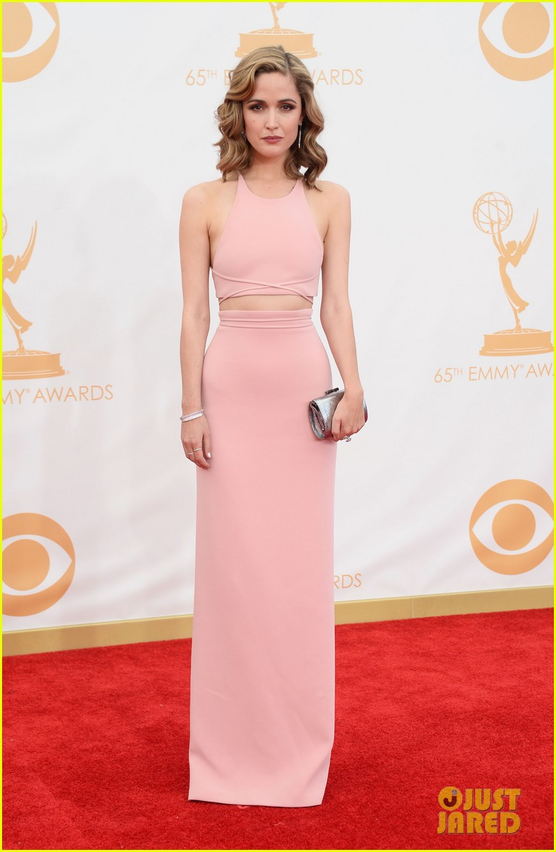rose byrne bobby cannavale emmys red carpet 132958290