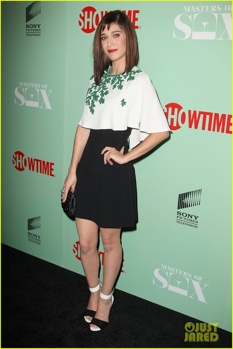lizzy caplan michael sheen masters of sex nyc premiere 11