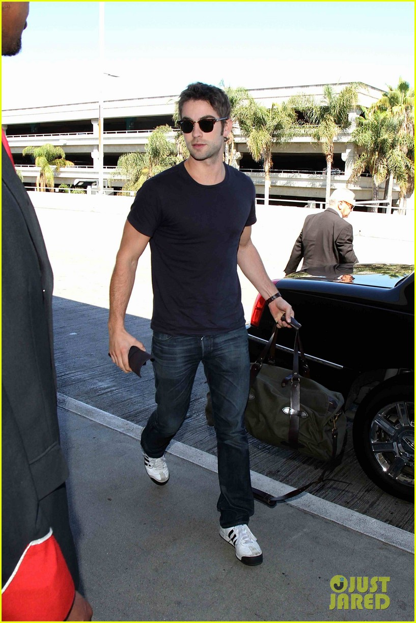 chace crawford low key arrival lax 042946972