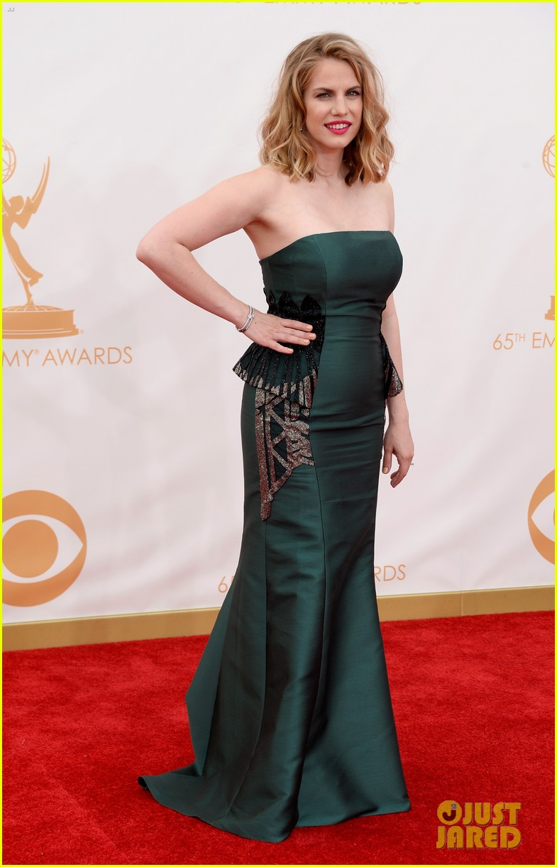 veep anna chlumsky emmys 2013 red carpet 012957976