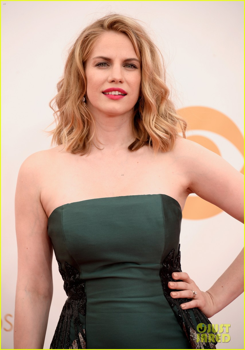 veep anna chlumsky emmys 2013 red carpet 062957981