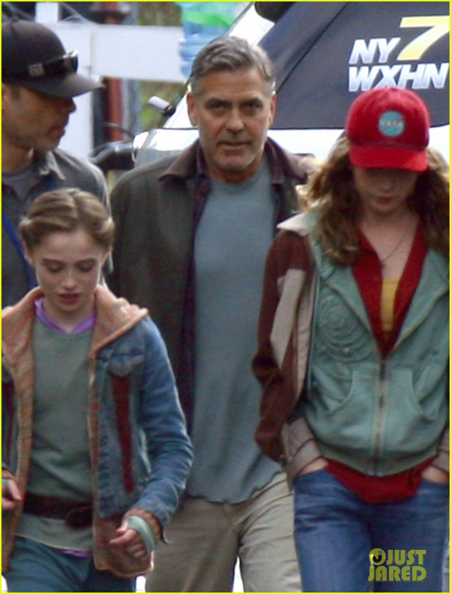 george clooney meets dylan obrien on tomorrowland set 022955017