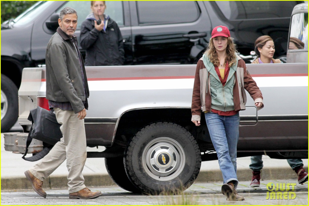 george clooney meets dylan obrien on tomorrowland set 06