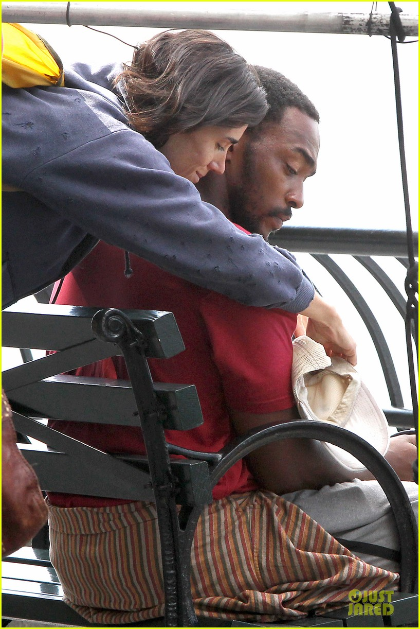 jennifer connelly anthony mackie hold hands for shelter 022961917