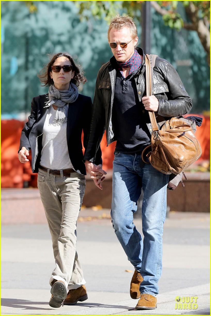 jennifer connelly anthony mackie hold hands for shelter 322961947