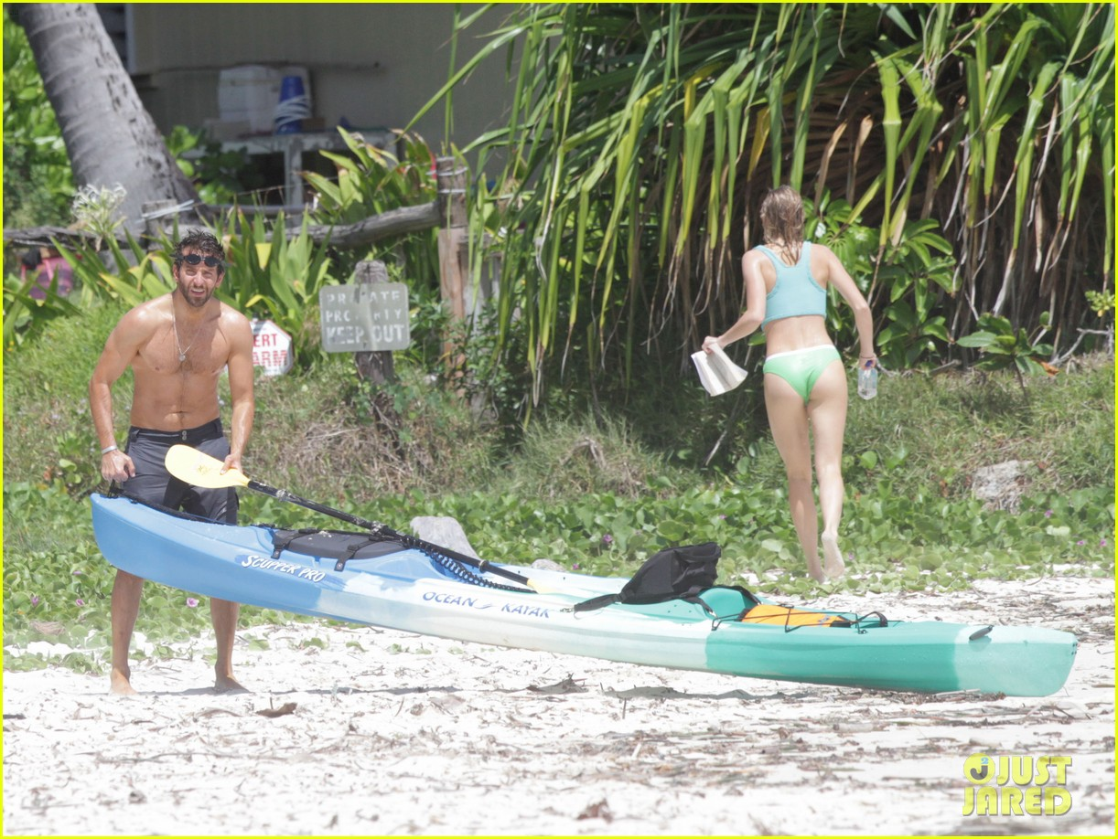 bradley cooper shirtless at the beach with suki waterhouse 012963521