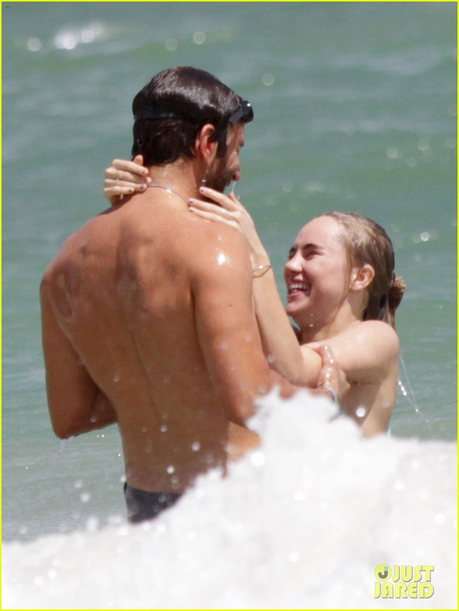 bradley cooper shirtless at the beach with suki waterhouse 052963525
