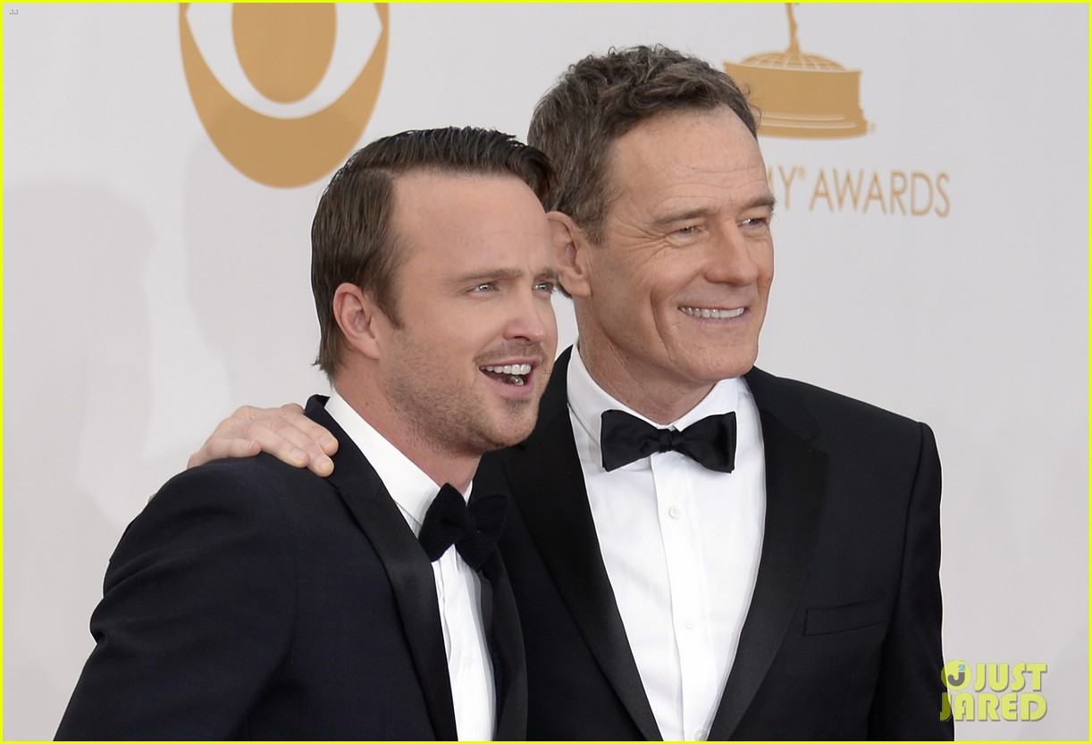 bryan cranston aaron paul emmys 2013 red carpet 07