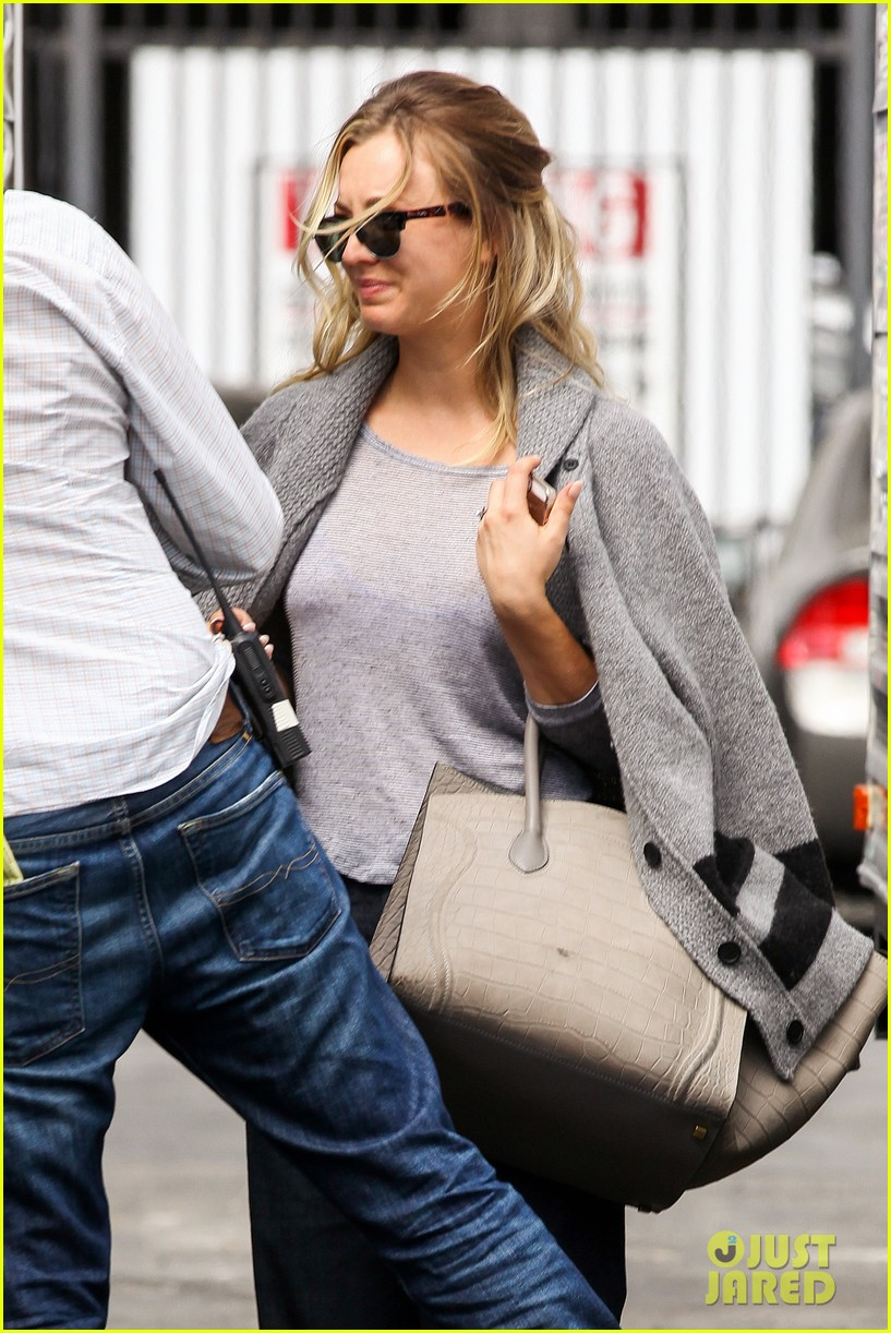 kaley cuoco sparks ryan sweeting engagement rumors with huge ring 022960528