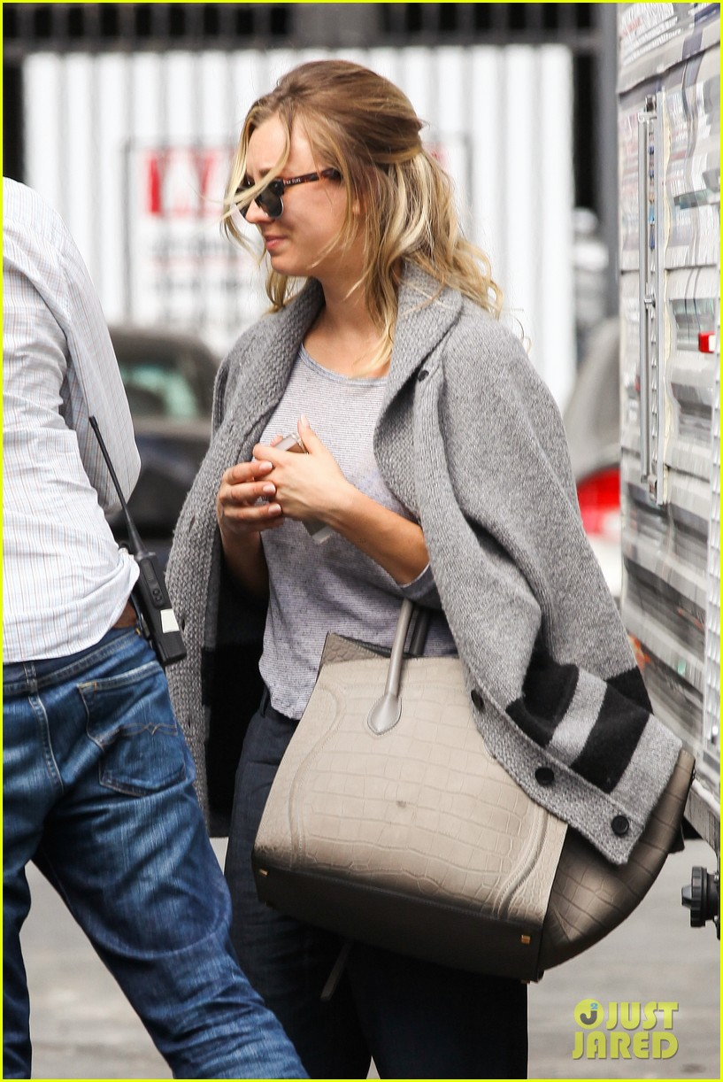 kaley cuoco sparks ryan sweeting engagement rumors with huge ring 042960530