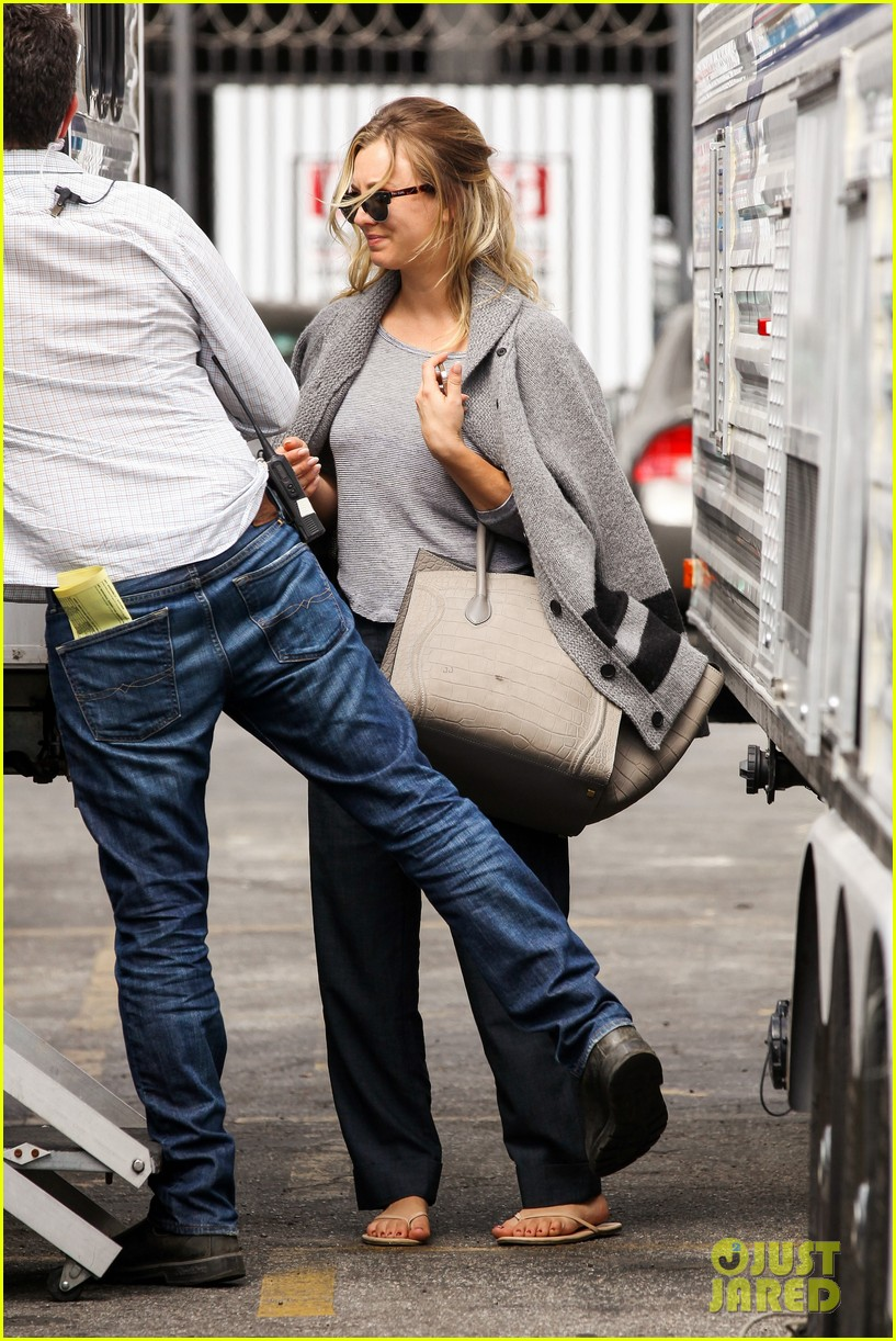 kaley cuoco sparks ryan sweeting engagement rumors with huge ring 142960540