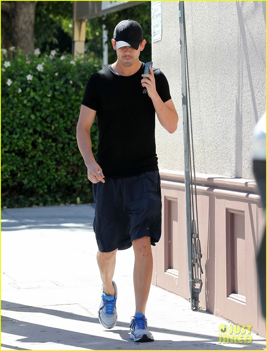 kaley cuoco ryan sweeting step out after engagement news 182961802