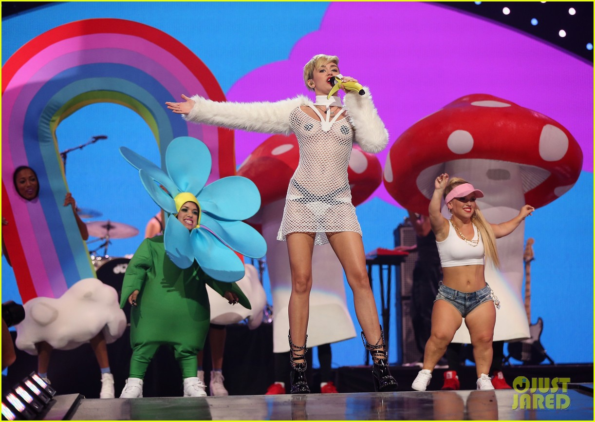 miley cyrus sings wrecking ball in nearly nude outfit video 06