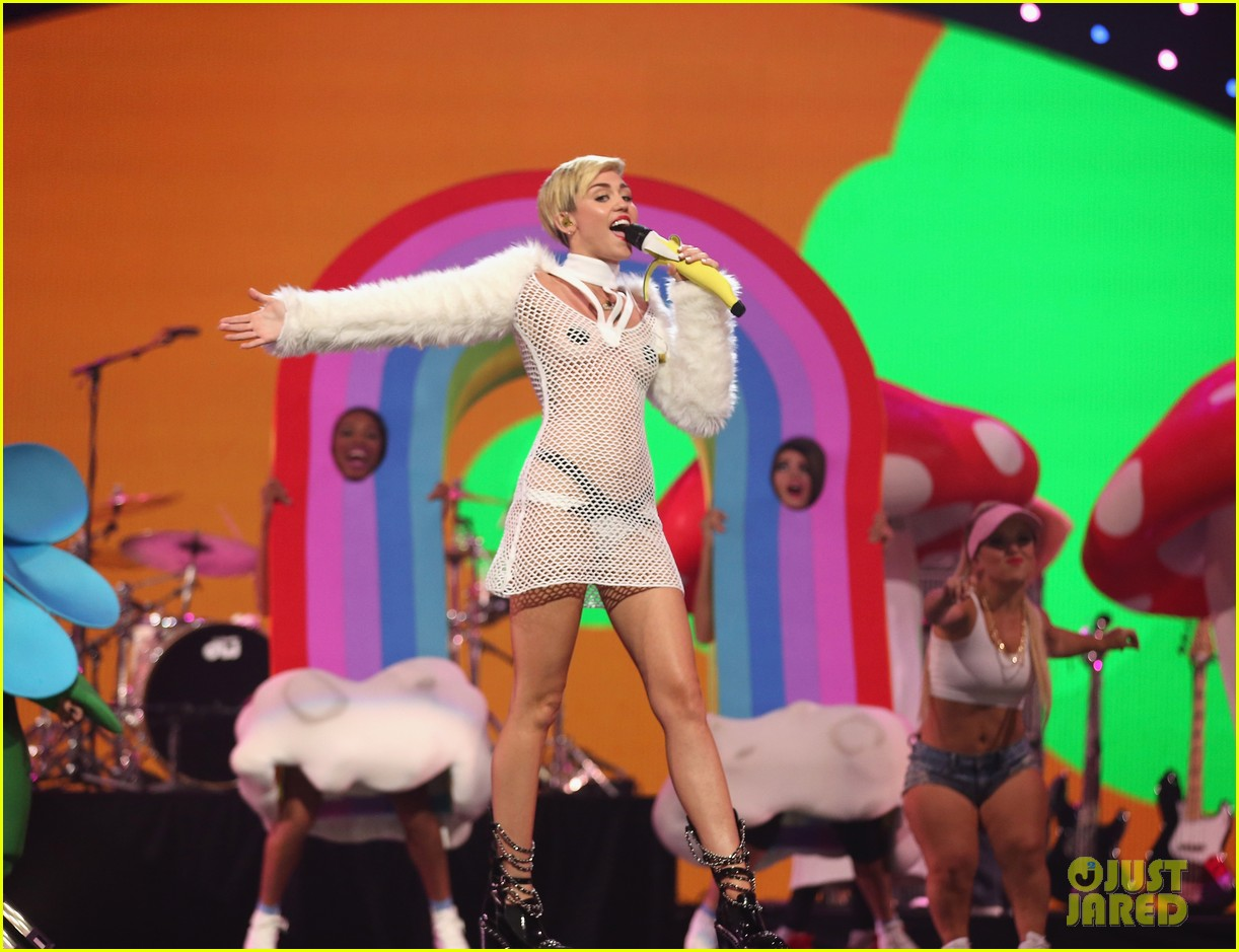 miley cyrus sings wrecking ball in nearly nude outfit video 072957226