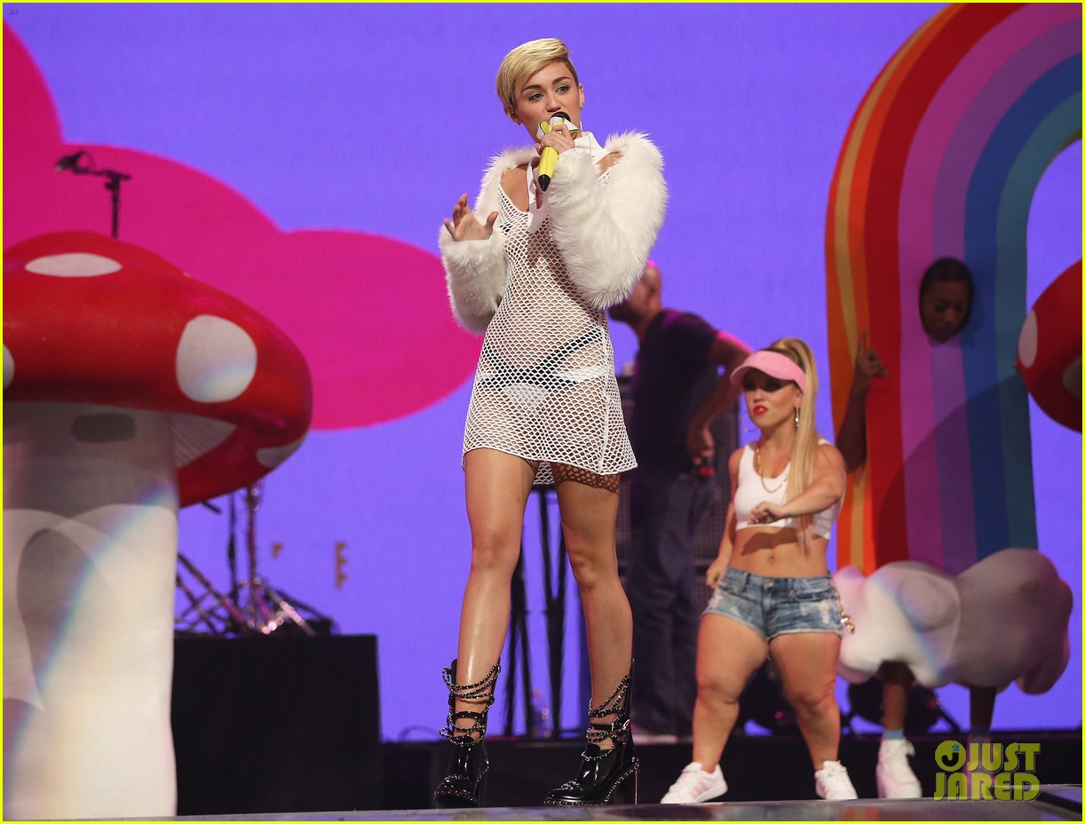 miley cyrus sings wrecking ball in nearly nude outfit video 132957232