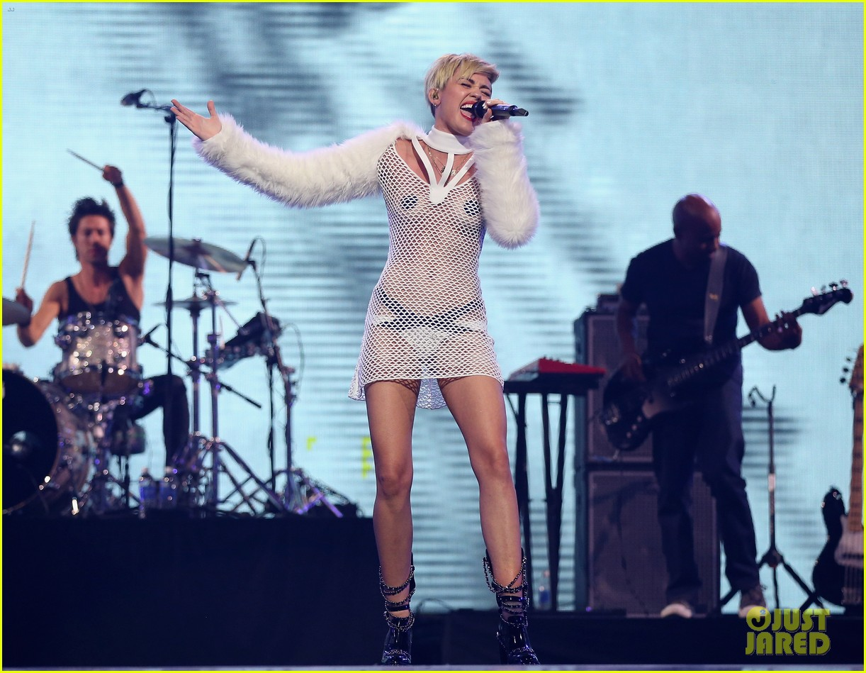 miley cyrus sings wrecking ball in nearly nude outfit video 282957247