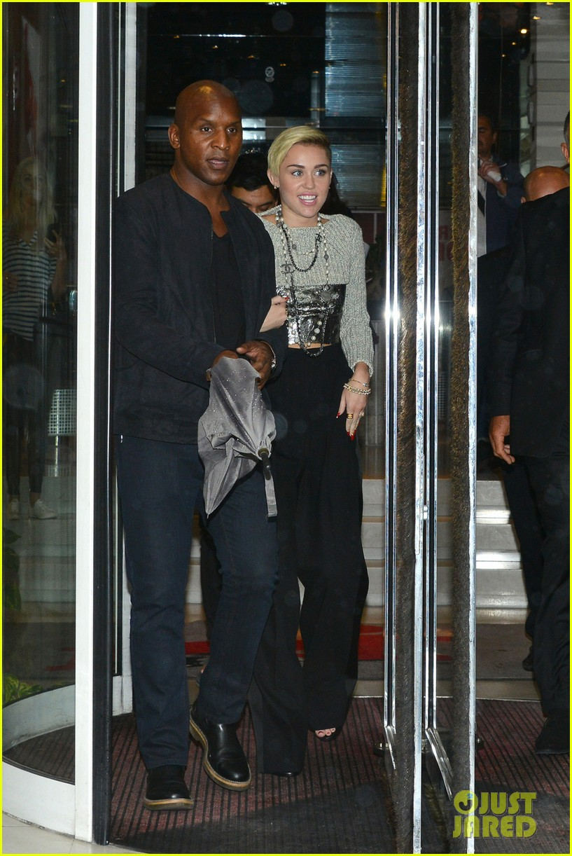 miley cyrus steps out in paris before wrecking ball premiere 04