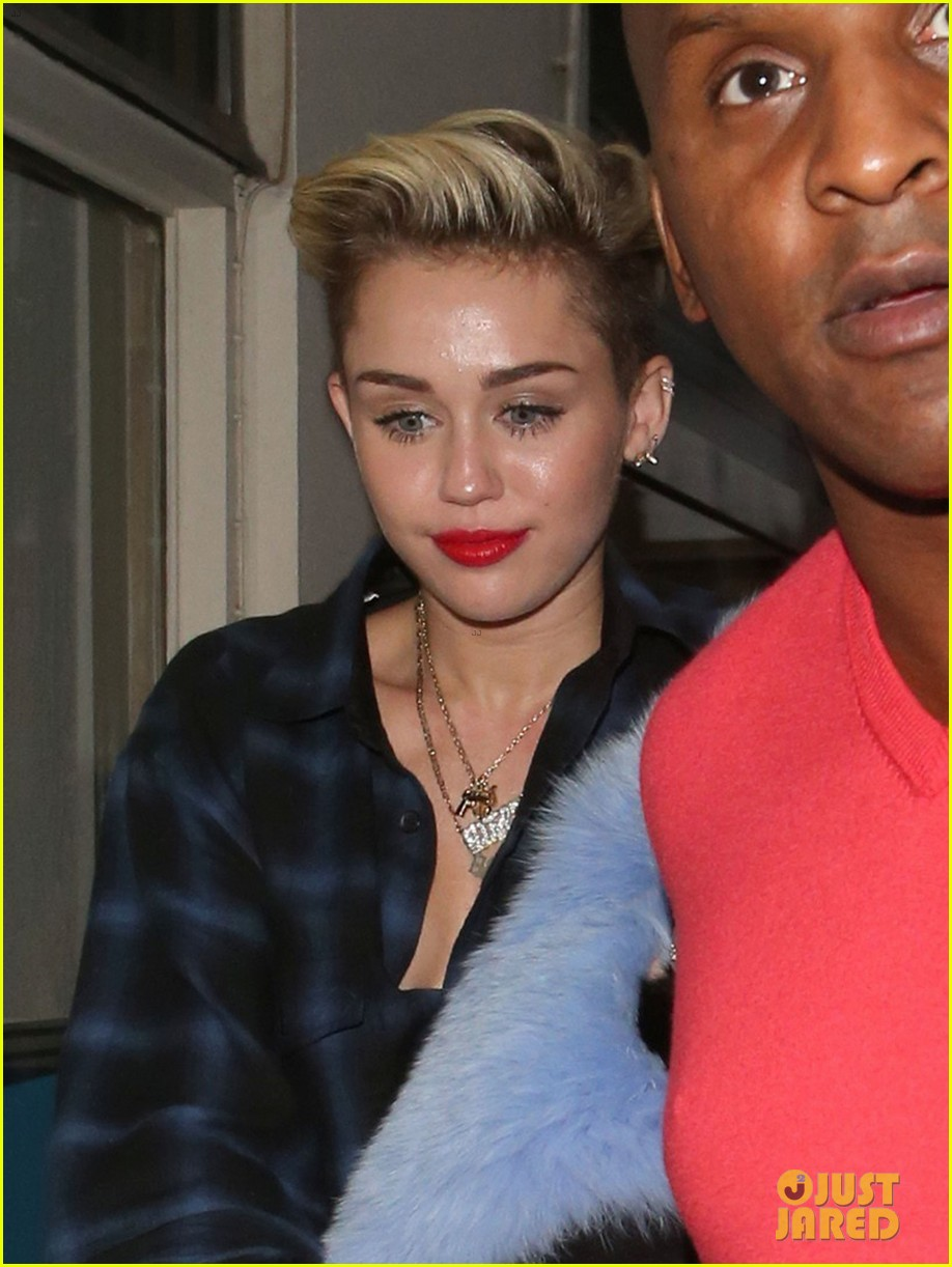 miley cyrus steps out after breaking vevo video record 132949440