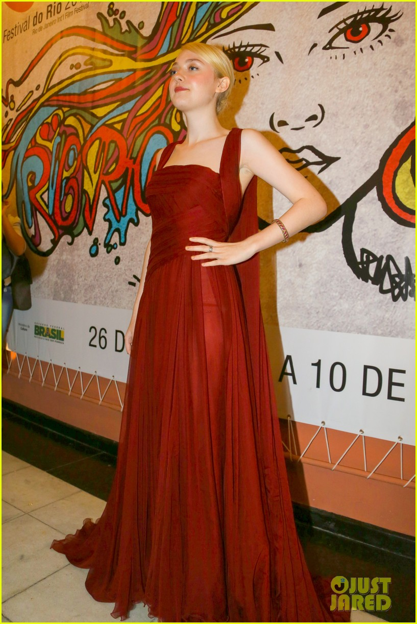 dakota fanning night moves rio premiere 09