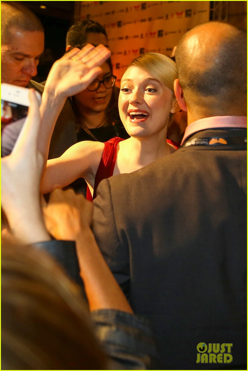 dakota fanning night moves rio premiere 12