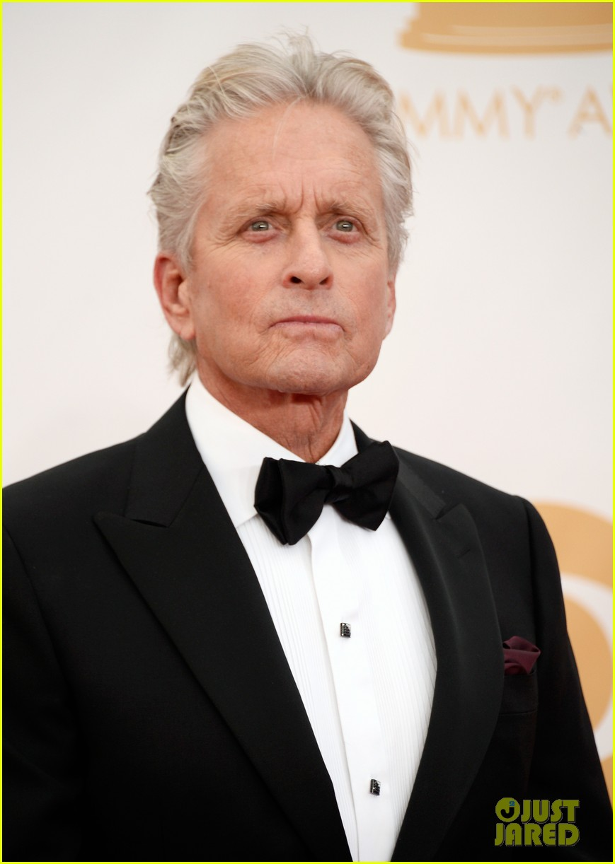 mattdamon michael douglas emmy awards red carpet 04