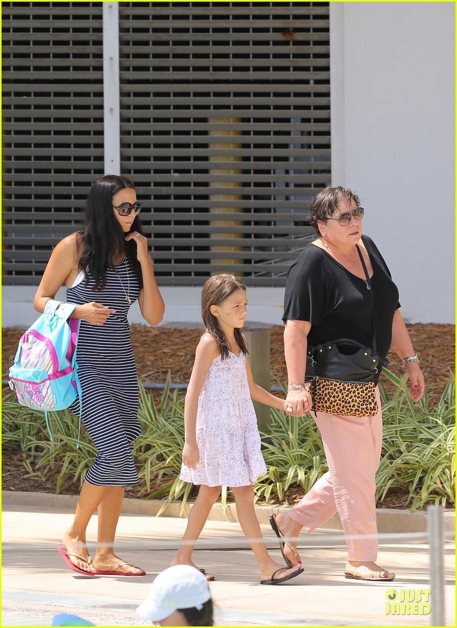 matt damon miami vacation with wife luciana girls 052962159
