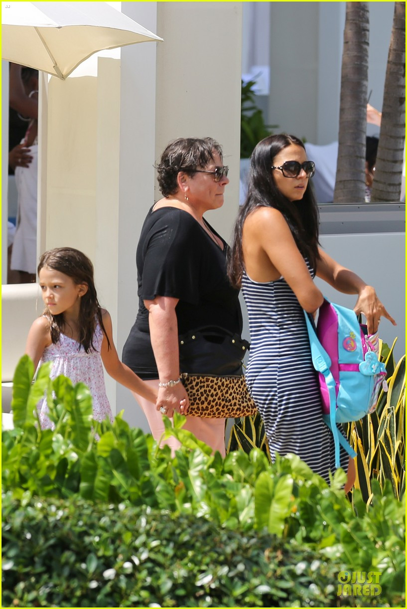 matt damon miami vacation with wife luciana girls 092962163