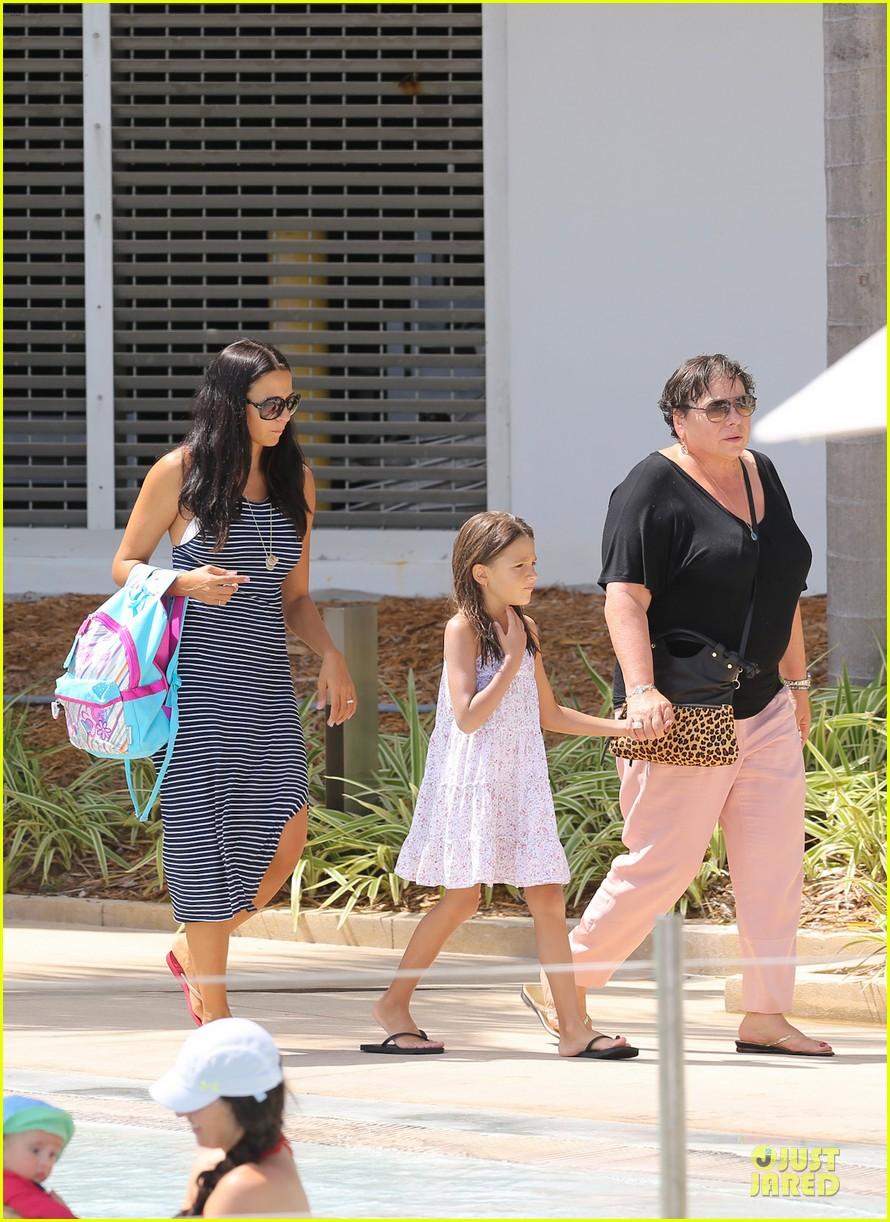 matt damon miami vacation with wife luciana girls 112962165