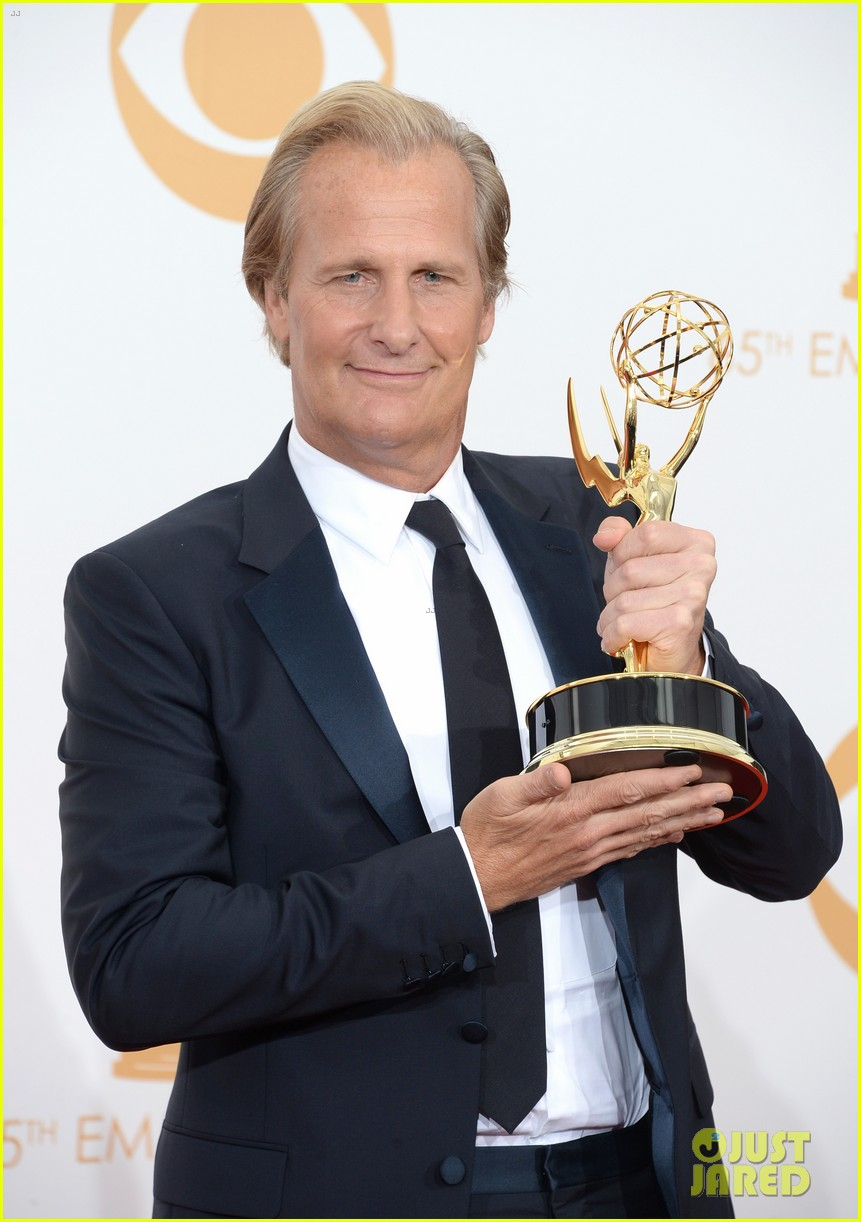 jeff daniels wins first major award at emmys 2013 042958384