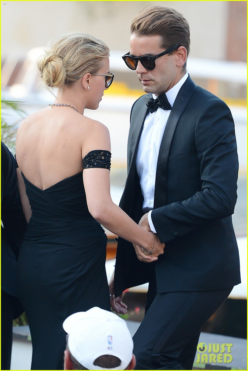 who is romain dauriac meet scarlett johansson boyfriend 242943938
