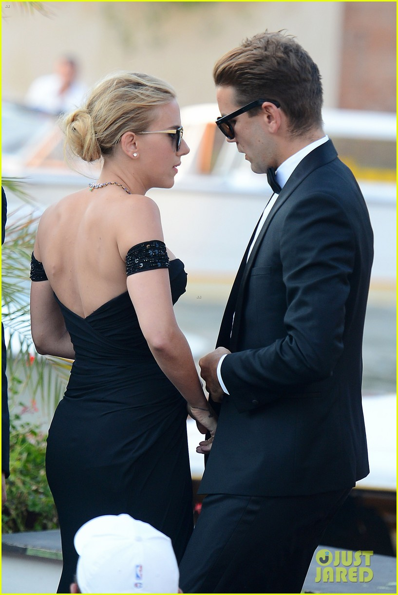 who is romain dauriac meet scarlett johansson boyfriend 252943939